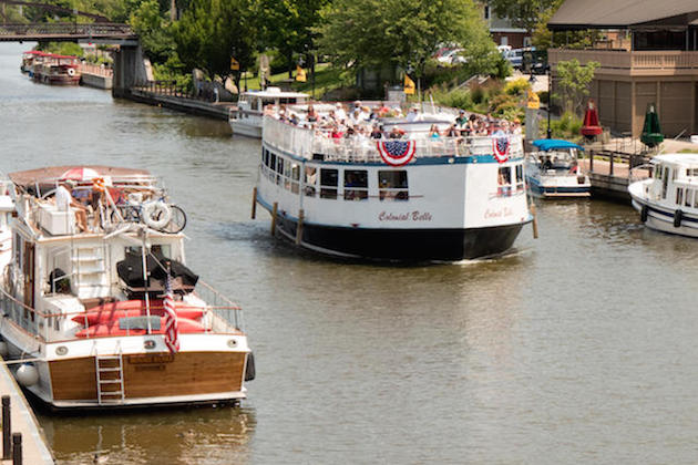 Fairport Canal and the Colonial Belle